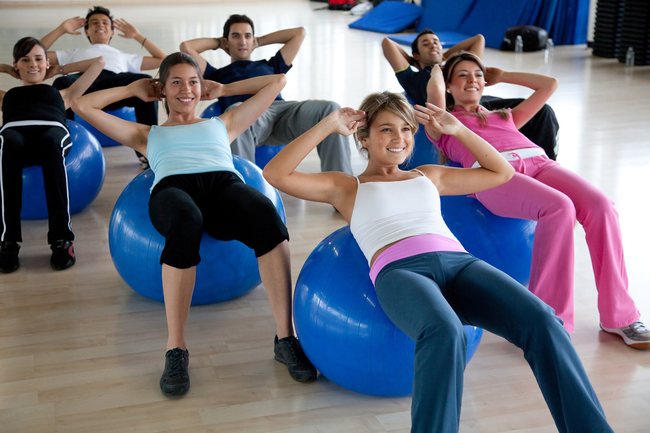 photodune-439320-pilates-class-in-a-gym-s